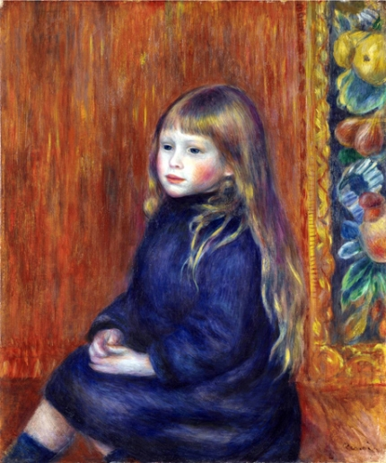 Enfant Assis En Robe Bleue